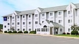 Reserve this hotel in Onalaska, Wisconsin