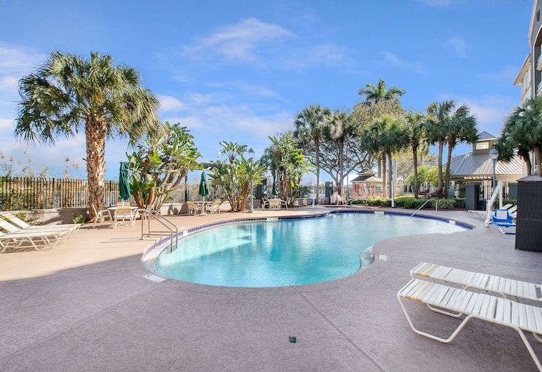 La Quinta Inn & Suites by Wyndham Ft. Lauderdale Airport, Hollywood, Piscine