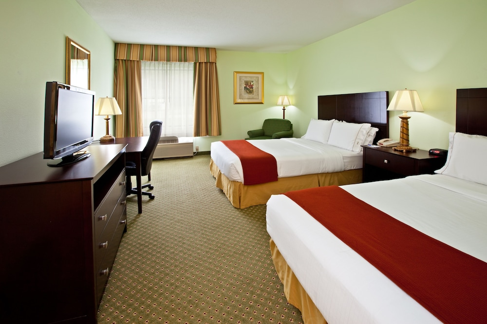 Holiday Inn Express Suites Scottsburg Room 2 Double Beds Non
