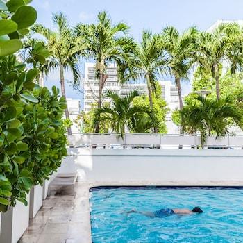 Gambar Crest Hotel Suites di Miami Beach