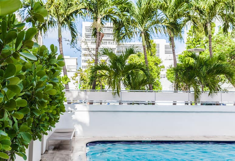 Crest Hotel Suites, Miami Beach, Outdoor Pool