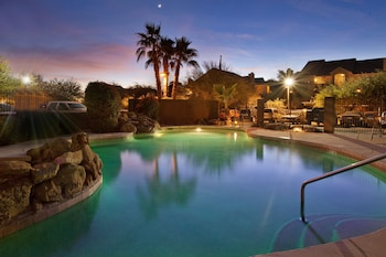 Picture of Holiday Inn Express & Suites Phoenix/Chandler (Ahwatukee) in Phoenix