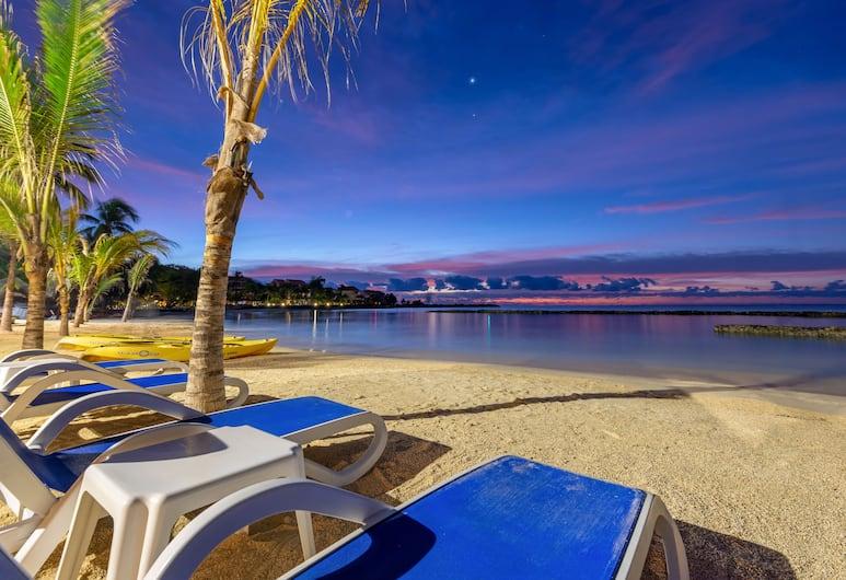 歐姆尼港阿萬托斯海灘度假酒店, 阿範特拉斯港, 海灘