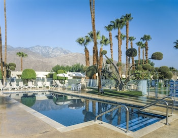 Mynd af Desert Isle of Palm Springs by Diamond Resorts í Palm Springs