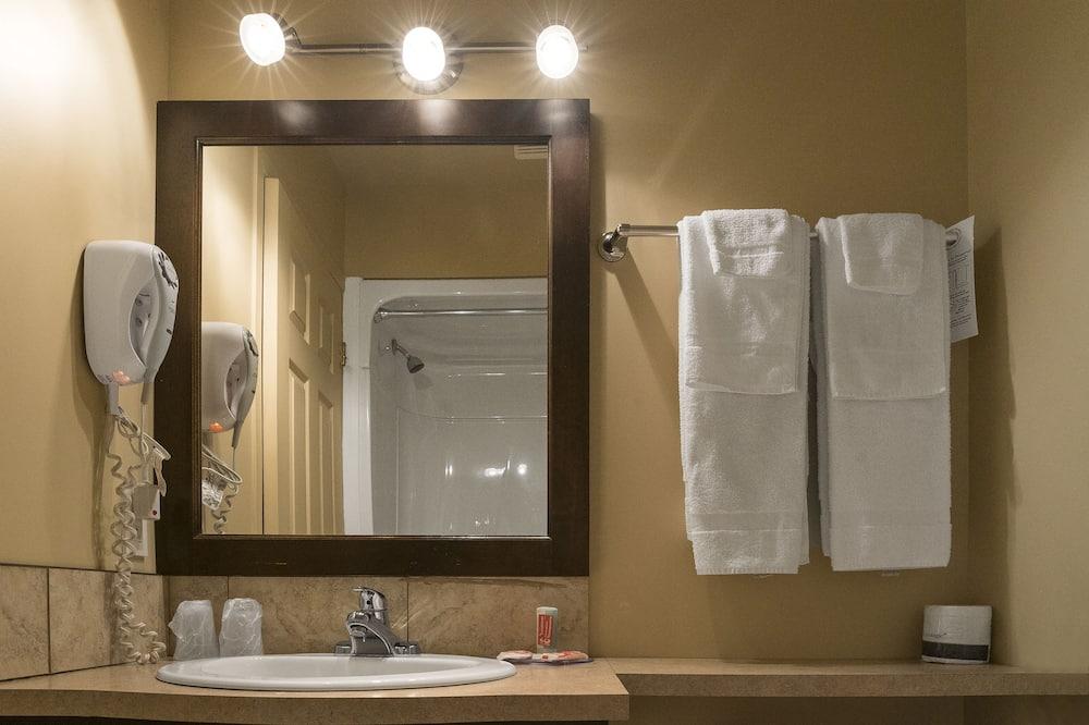 Standard szoba, 2 kétszemélyes ágy, nemdohányzó - Fürdőszoba