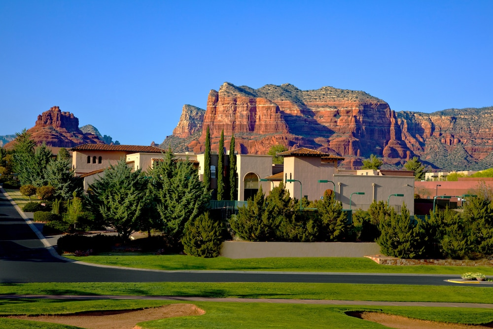 book hilton sedona resort at bell rock in sedona. Black Bedroom Furniture Sets. Home Design Ideas