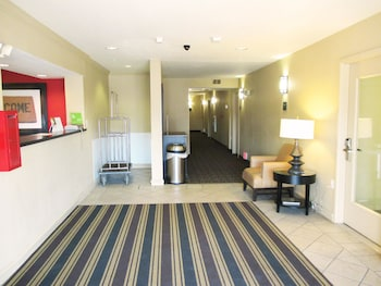Picture of Extended Stay America Suites Kansas City Country Club Plaza in Kansas City