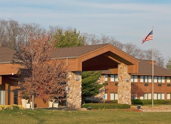 Picture of Country Inn & Suites By Carlson, Mishawaka, IN in Mishawaka