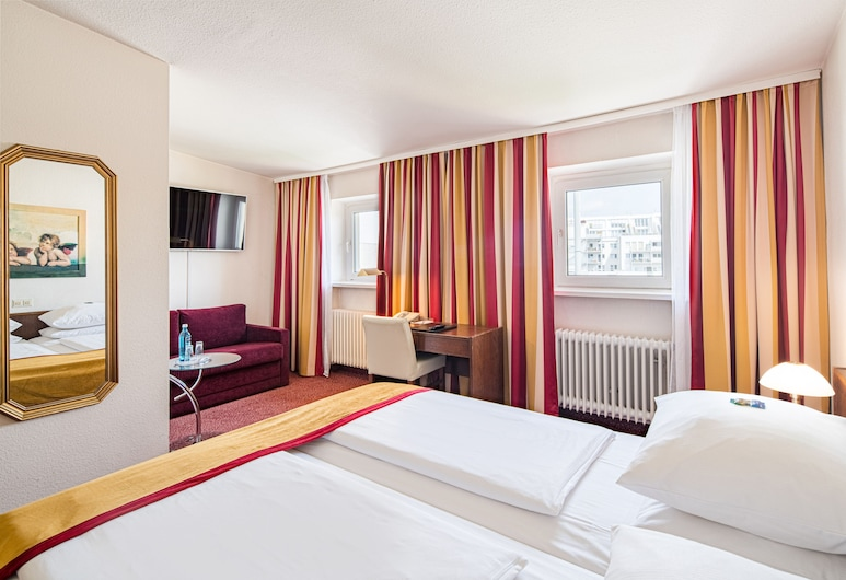 Hotel Central, Hamburg, Triple Room, Guest Room