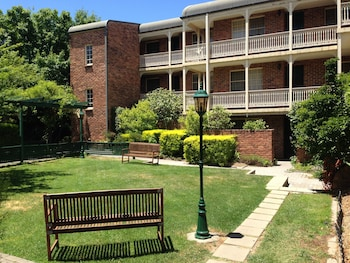 Picture of Adina Serviced Apartments Canberra Kingston in Kingston