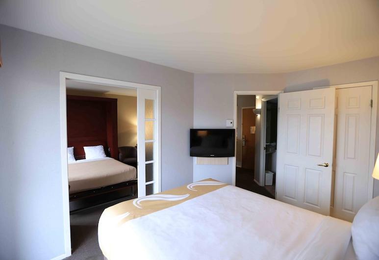 聖安妮德比坡品質套房飯店, 聖安妮教堂, 套房, 非吸煙房, 陽台, 客房