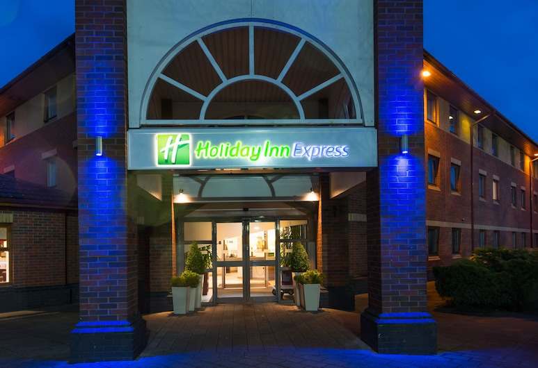 Holiday Inn Express Warwick - Stratford-upon-Avon, วอริก, บริเวณภายนอก