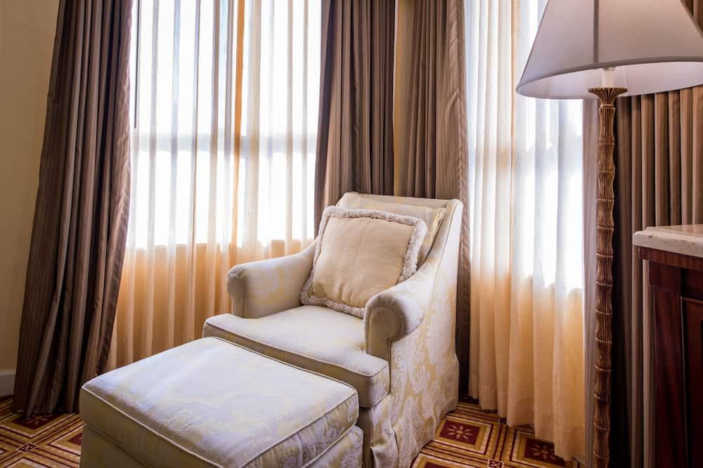 Camera Deluxe, 1 letto king - Area soggiorno