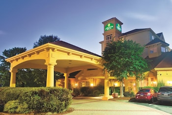 Picture of La Quinta Inn & Suites Charlotte Airport South in Charlotte