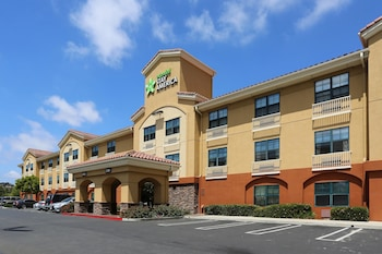 Enter your dates to get the Oceanside hotel deal