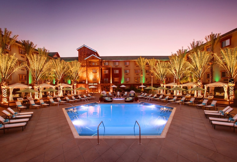 Silverton Casino Hotel, Las Vegas, Vonkajší bazén