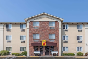 Picture of Super 8 by Wyndham Irving DFW Airport/South in Irving