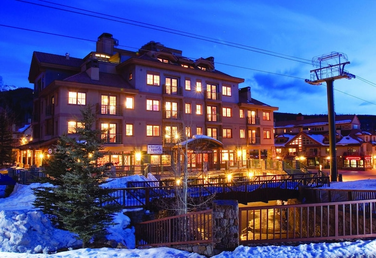 Inn at Lost Creek, Telluride, Fasada hotelu — wieczorem/nocą