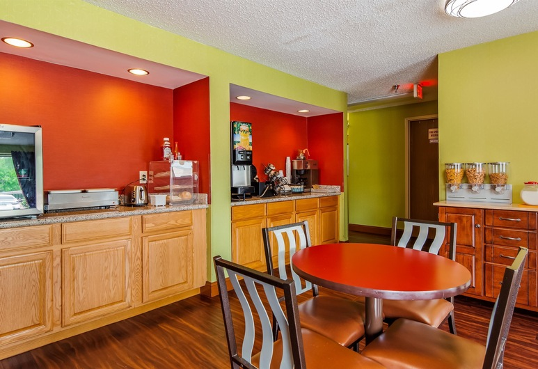 SureStay Plus by Best Western Chattanooga Hamilton Place, צ'טנוגה, אזור ארוחת הבוקר