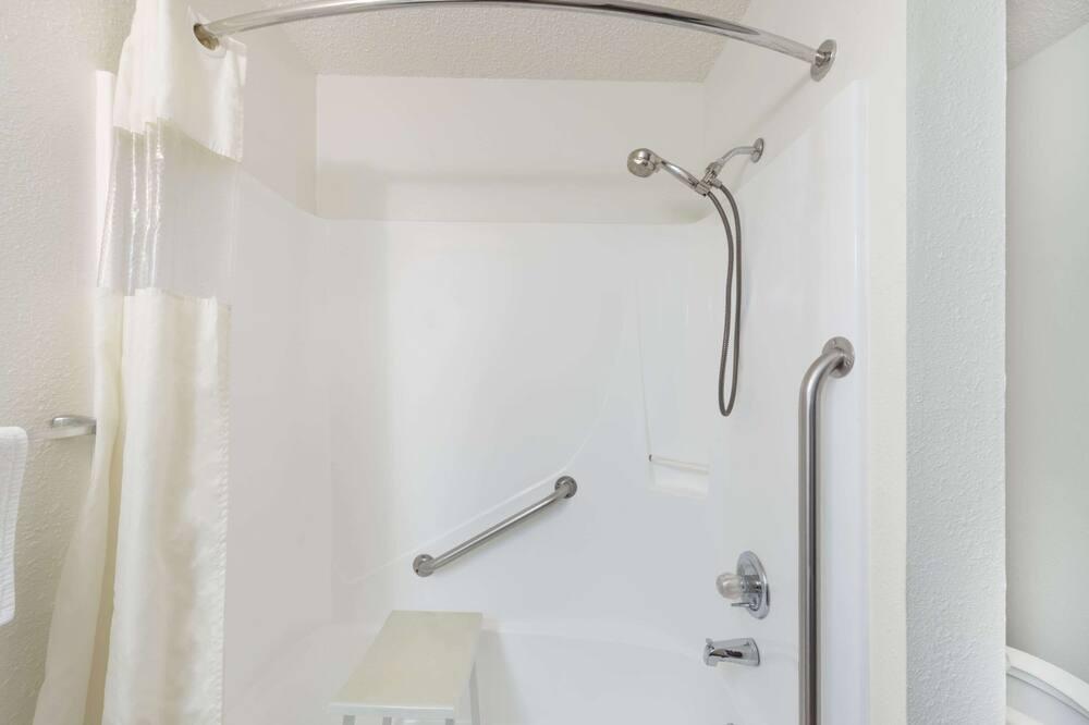 Phòng, 1 giường đôi, Phù hợp cho người khuyết tật, Không hút thuốc (Mobility Accessible) - Phòng tắm