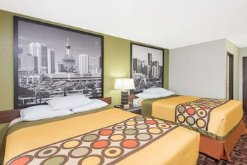 Super 8 By Wyndham Moberly Mo Guest Room