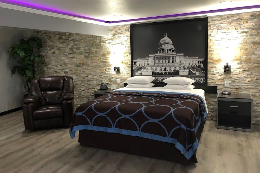 Standard Room, 1 Queen Bed, Non Smoking, Refrigerator - Guest Room