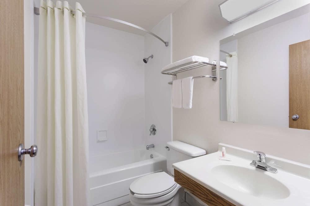 더블룸, 더블침대 2개, 흡연 - 욕실
