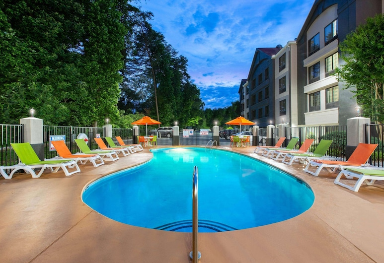Super 8 by Wyndham Pigeon Forge-Emert St, Pigeon Forge, Pool