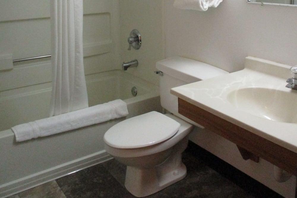Deluxe Room, 1 Katil Raja (King), Jetted Tub, Multiple View - Bilik mandi