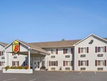 Enter your dates to get the Neosho hotel deal