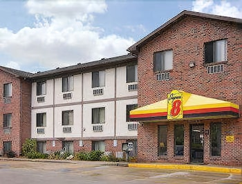 Picture of Super 8 by Wyndham Omaha/West Dodge in Omaha