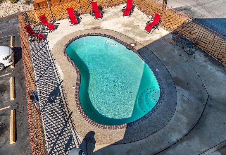 Express Inn & Suites San Antonio SeaWorld Medical Center, Сан-Антонио, Открытый бассейн