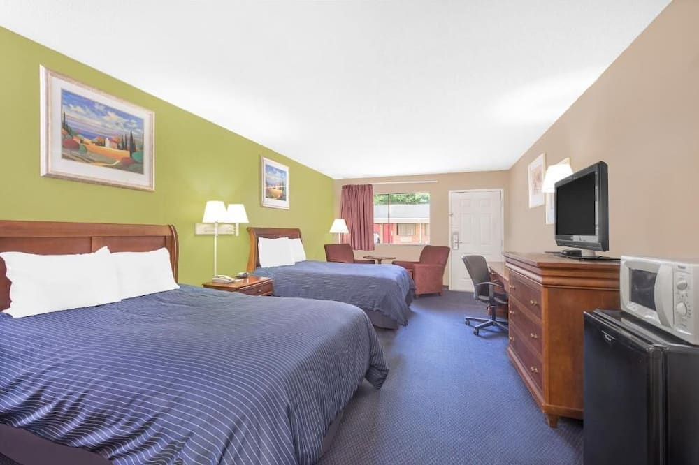 Room, 2 Double Beds, Non Smoking, Refrigerator & Microwave - Guest Room