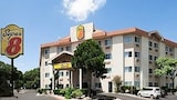 Choose this Motel in Austin - Online Room Reservations