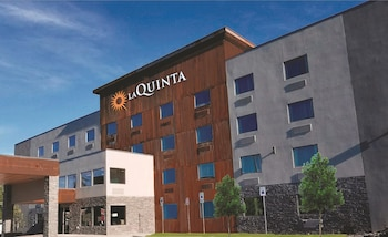 Picture of La Quinta Inn & Suites Anchorage Airport in Anchorage