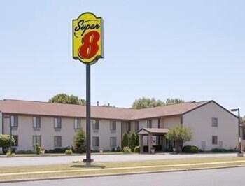 Choose This Cheap Hotel in Sun Prairie