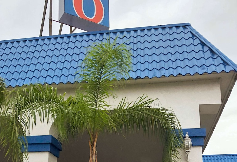 Motel 6 Daytona Beach, FL - Speedway, Daytona Beach, Exterior