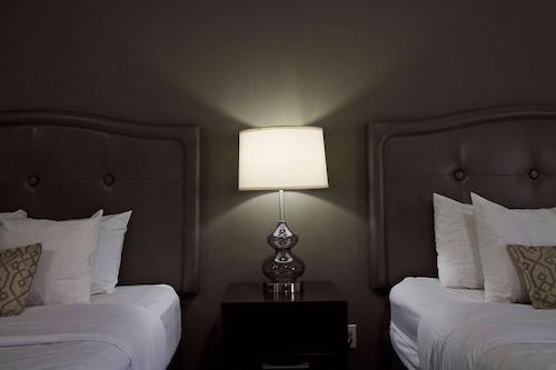 貝斯特韋斯特天鵝堡酒店/