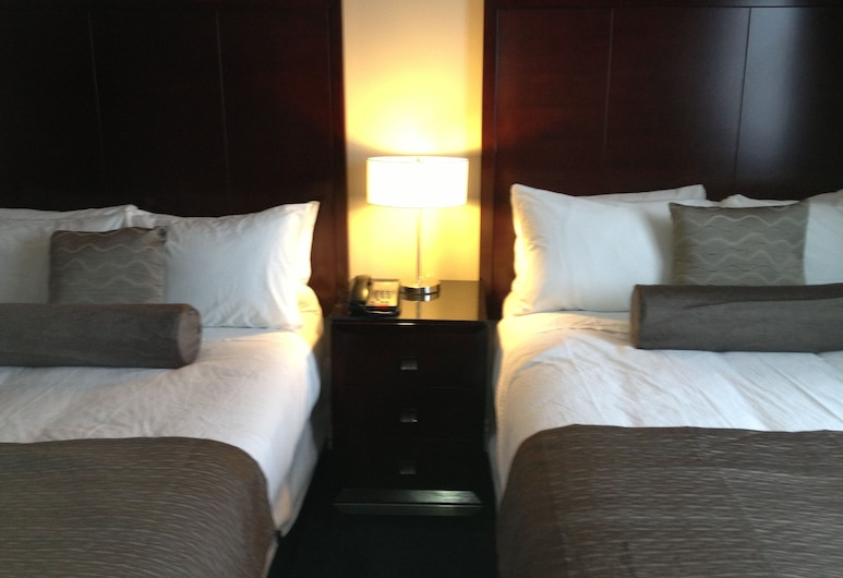 Capital CityCenter Hotel, Victoria, Standard Double Room, 2 Double Beds, Kitchenette, Guest Room