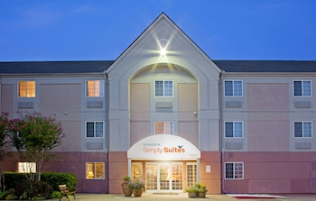Picture of Sonesta Simply Suites Houston W Beltway in Houston