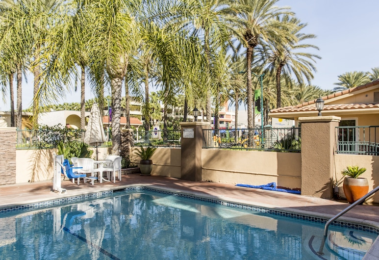 Anaheim Islander Inn and Suites, Anaheim, Piscina