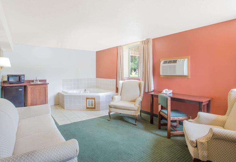 Days Inn by Wyndham Custer, Custer, Suite estudio Deluxe, 2 camas Queen size, para no fumadores, Habitación