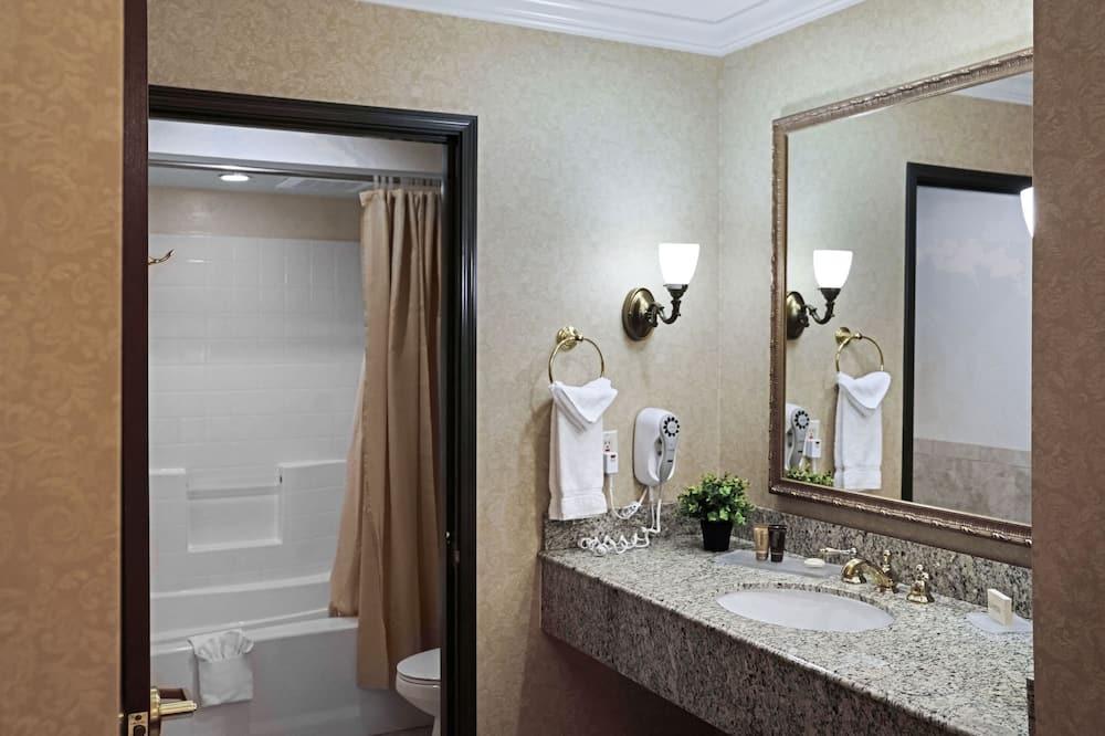 開放式客房, 2 張加大雙人床 - 浴室