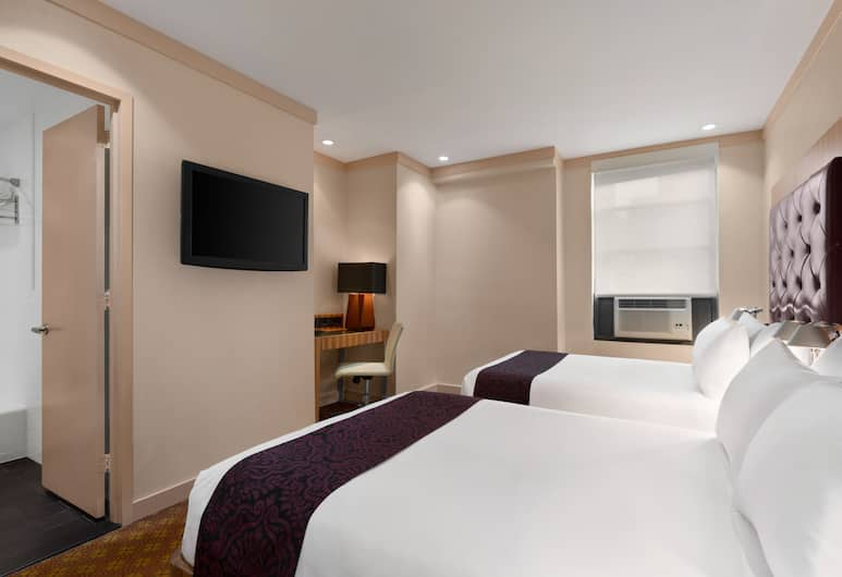 Days Hotel by Wyndham on Broadway NYC, New York, Business Room, 2 Double Beds, Non Smoking (Premier Club), Guest Room