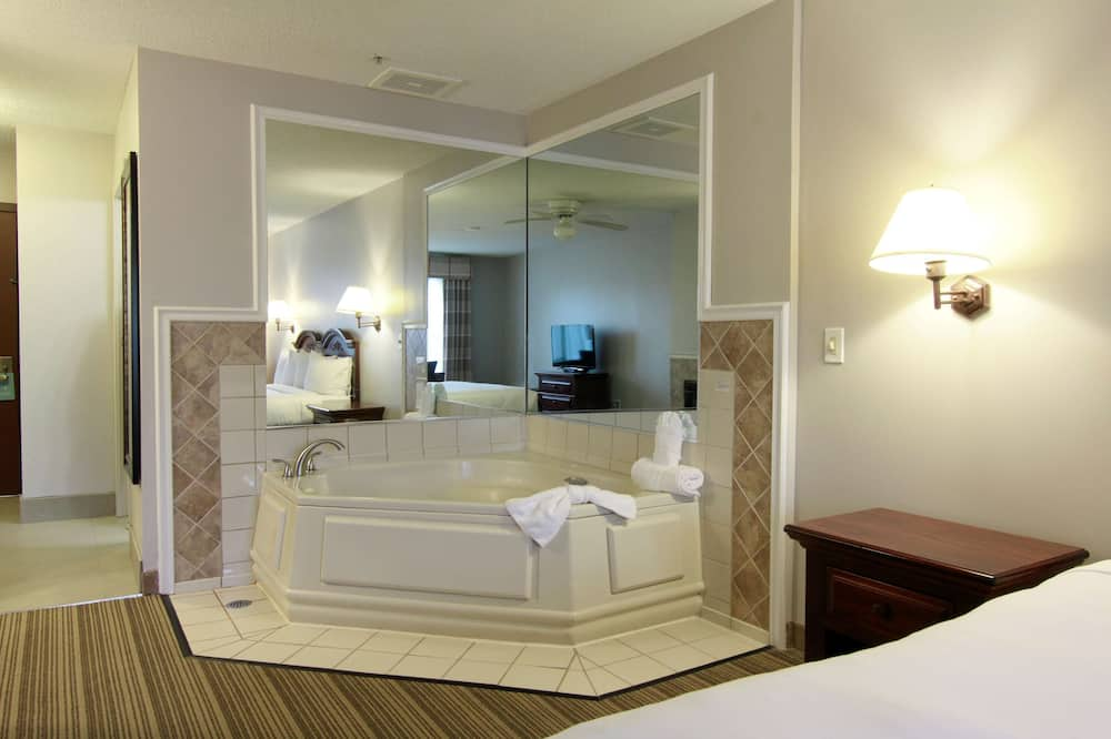 Room, 1 King Bed, Non Smoking, Fireplace (Whirlpool) - Private spa tub