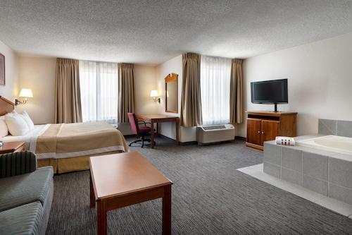 丹佛國際機場溫德姆戴斯套房飯店/