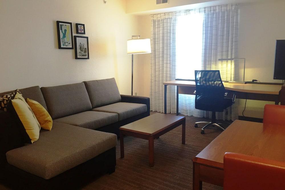 Studijas tipa numurs, 1 divguļamā karalienes gulta, nesmēķētājiem - Dzīvojamā zona