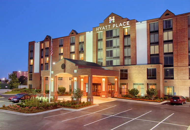 Hyatt Place Indianapolis Airport, Indianapolis, Hotellets front