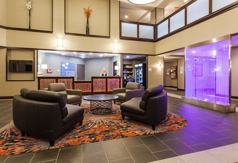 Holiday Inn Express Hotel & Suites Rapid City, Rapid City, Lobby