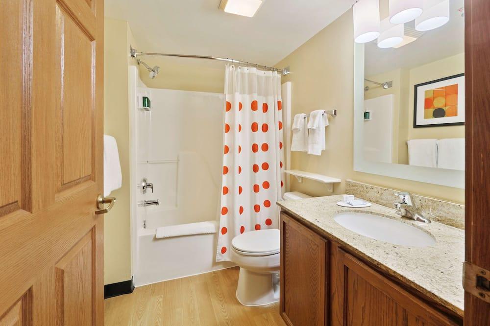 Premium Studio, Non Smoking, Refrigerator & Microwave - Bilik mandi